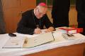 Biskup w Gimnazjum